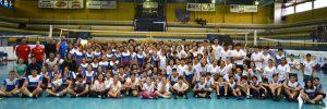 Cerca de 170 crianças e adolescentes participam de evento com muito minivôlei para  a garotada.