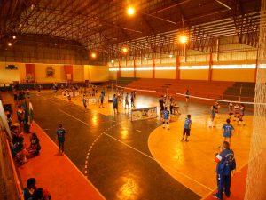 Mais de 100 crianças e adolescentes participam de encontro entre núcleos do projeto Vôlei em Rede no Paraná.