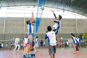 Crianças e adolescentes dos núcleos Campinas e Itu/SP trocam experiências do esporte ao mesmo tempo em que fazem novas amizades.